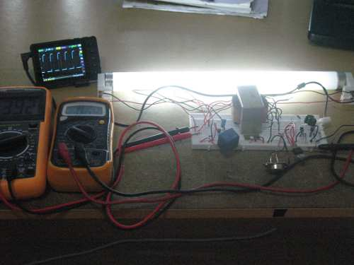 Figure 1. Fluorescent Tube Lamp Circuit